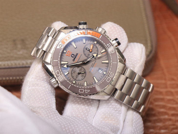 Phiên bản OM Factory V4 Replica Đồng hồ bằng gốm màu xám Omega Planet Ocean Chrono với bản sao 9300